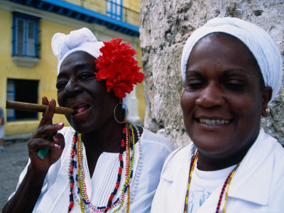 18523-9black-women-in-white-clothing-pose-for-tourists-havana-cuba-posters
