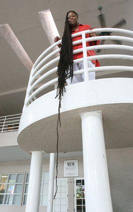 http://yeyeolade.files.wordpress.com/2008/11/asha_mandela_hair1.jpg