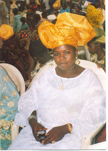 OLUWAYEMISI WITH HER BEAUTIFUL GELE!(HEADTIE!)