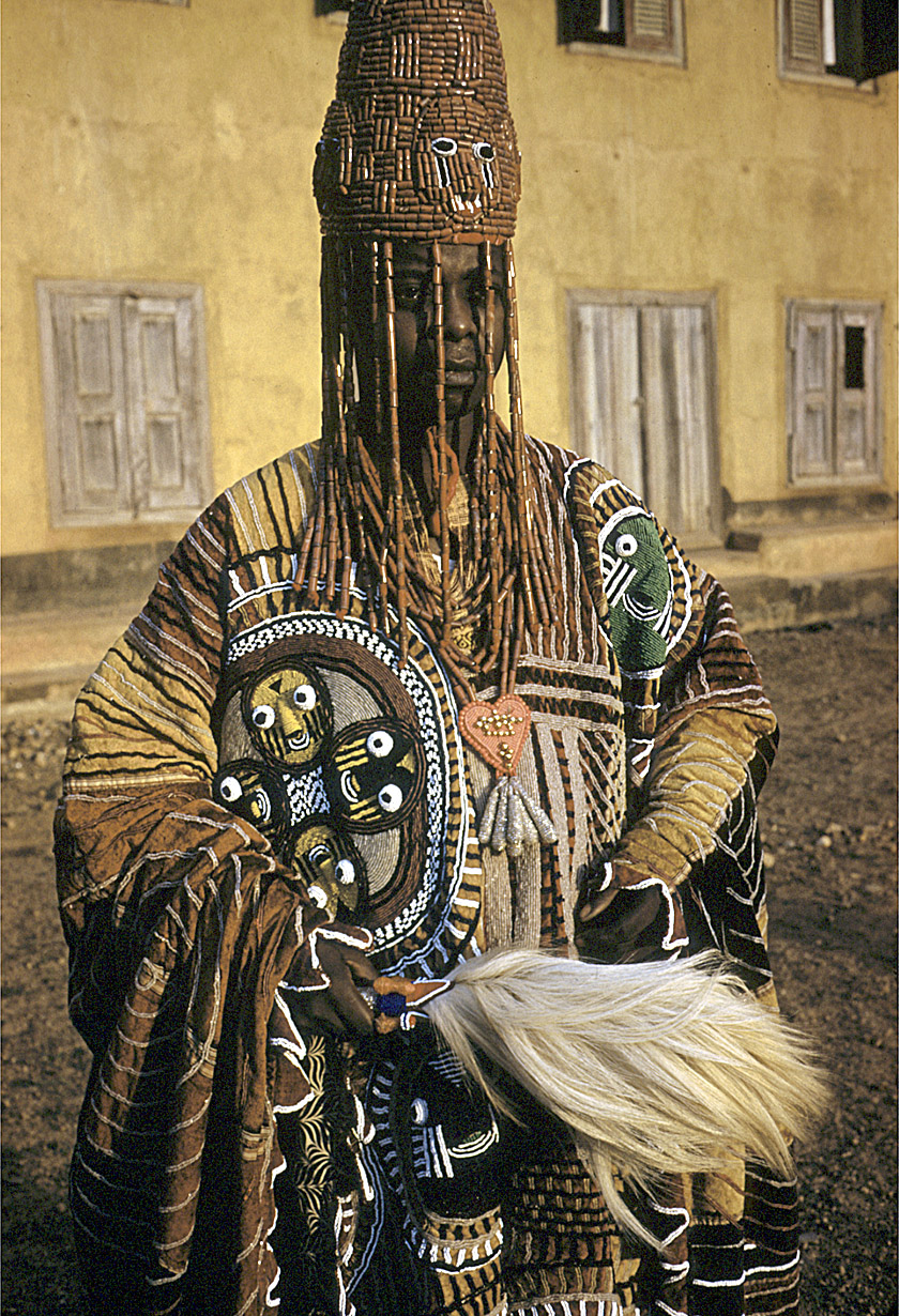 Tribe: The Mangbetu – the head elongation fashionistas of Central Africa