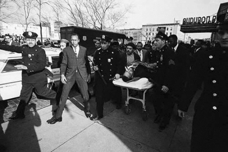 malcolm-x-assassinated-escorted-by-nypd-022165-2